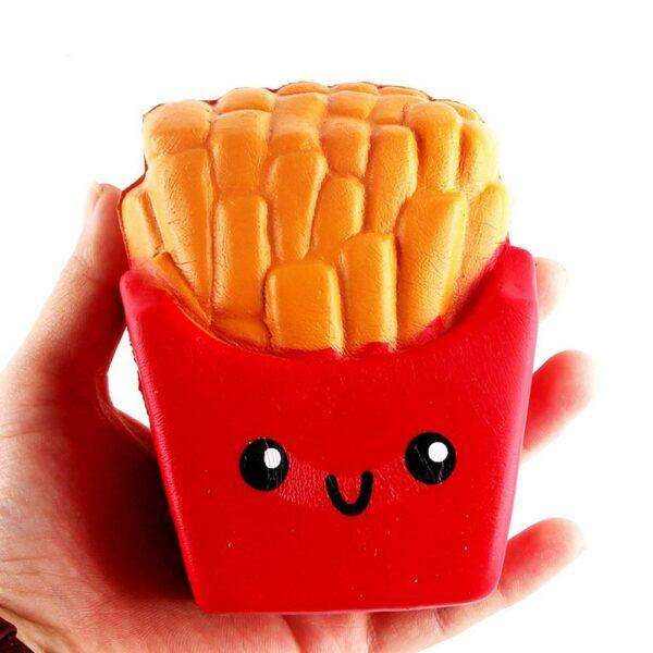 Squishy frite dans la main