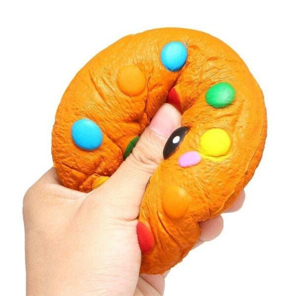 Squishy cookie dans la main
