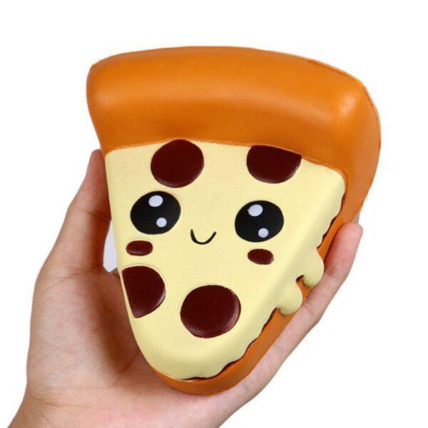 Squishy pizza dans la main