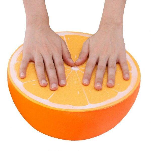 Squishy orange geant vu du dessus