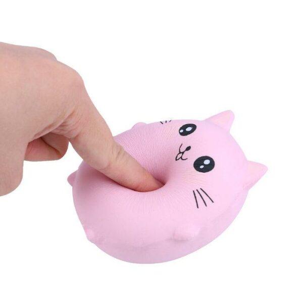 squishy chat rose écrasé
