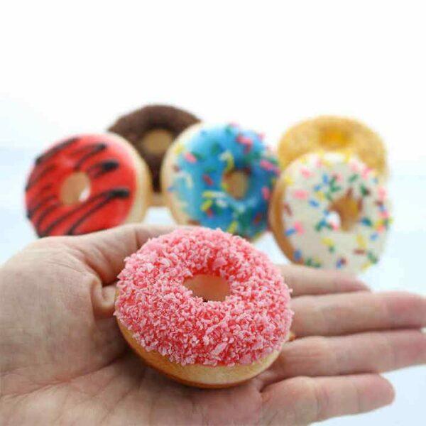 squishy donut mini dans la main