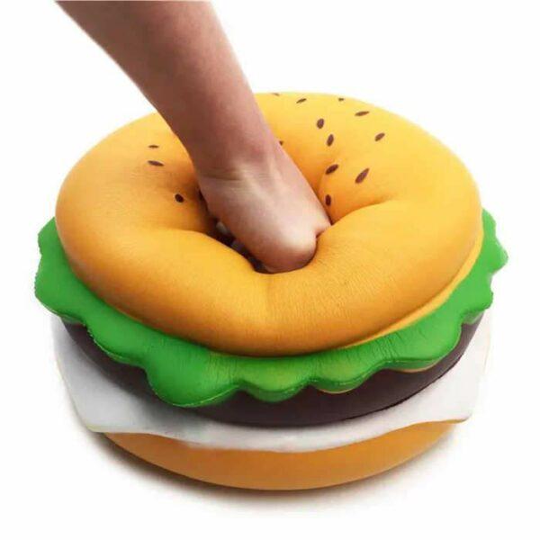 suqishy geant hamburger écrasé