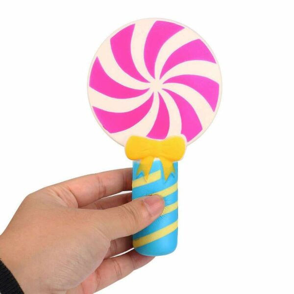 Squishy lollipop dans la main