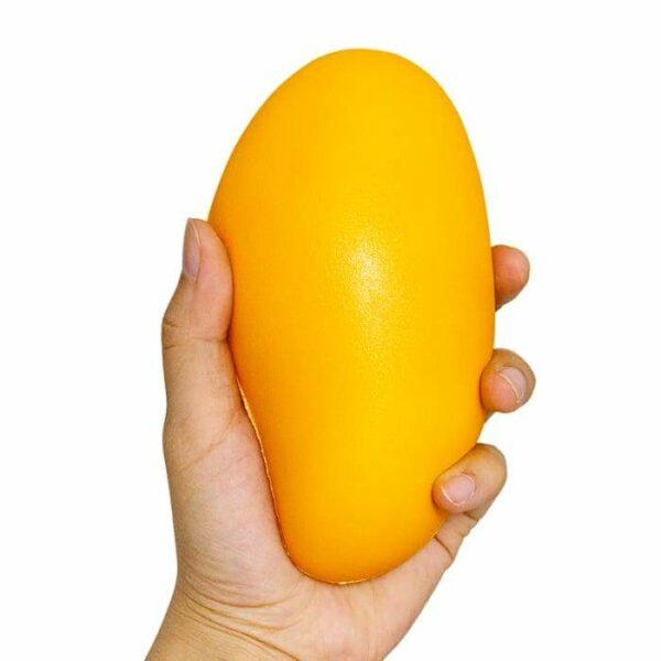 squishy mangue dans la main