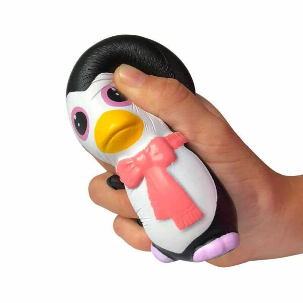 squishy pingouin kawaii écrasé