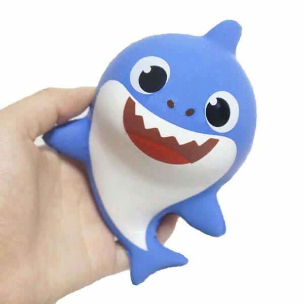squishy requin bleu