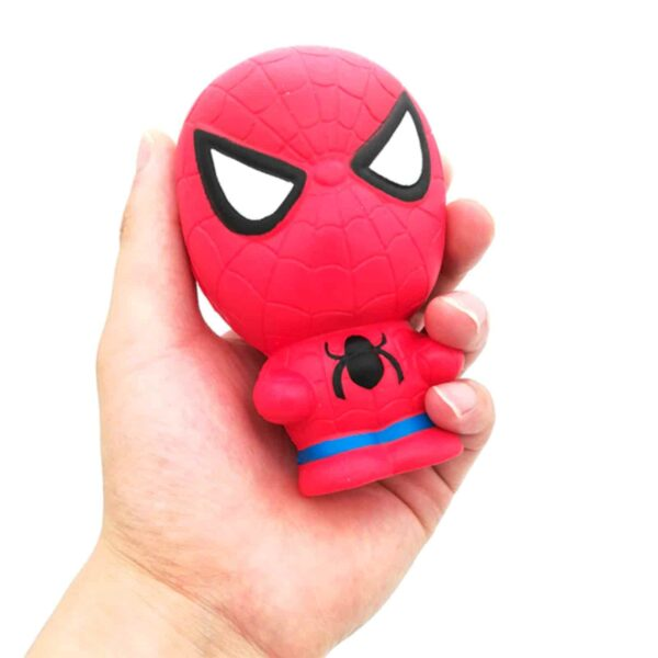 Squishy Spider-man dans la main