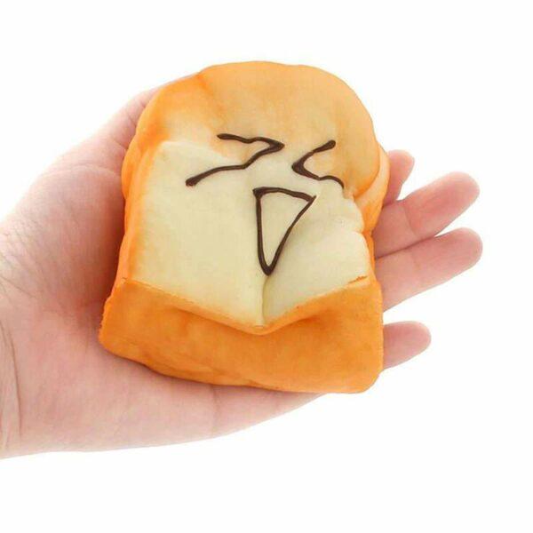 Squishy toast dans la main