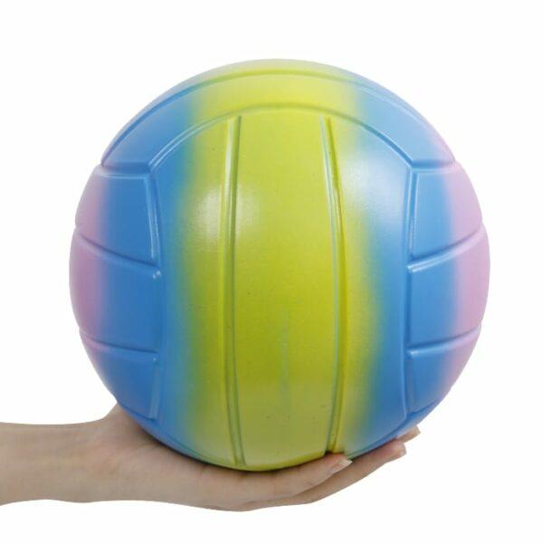 squishy géant volleyball sur la main